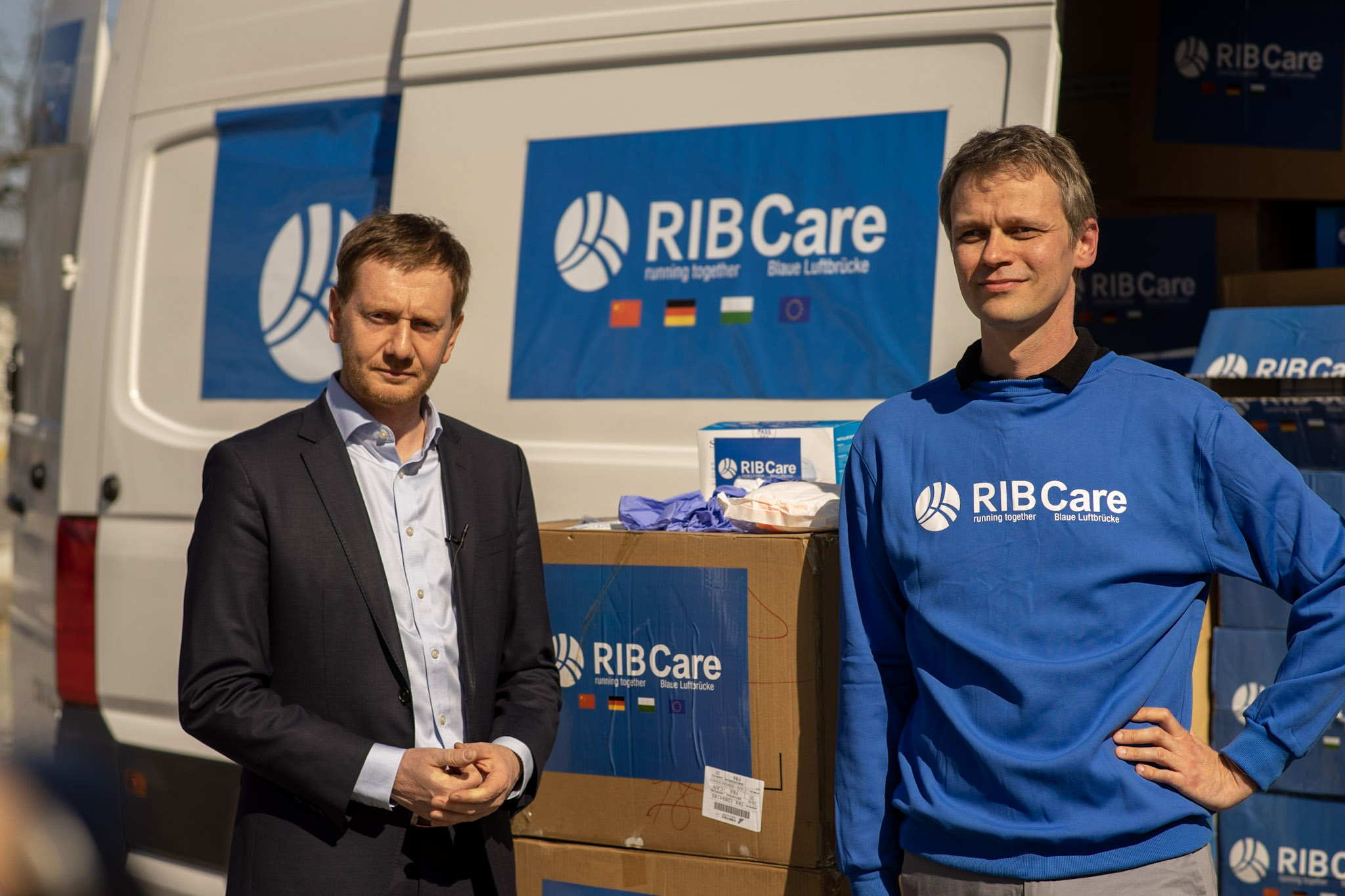 Saxony's Prime Minister Michael Kretschmer (l.) and Executive Board/COO of RIB Software, Michael Woitag.